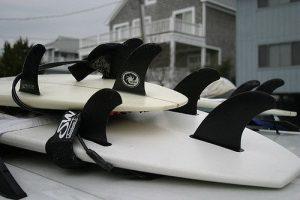 Ailerons sur des planches de surf