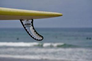 Un seul aileron de surf