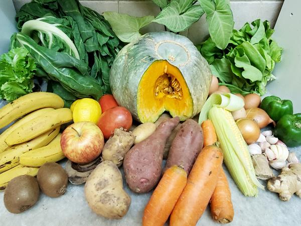 image de fruits et légumes de saisons pour la diet d'un surfeur